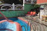 Номер  Алые Паруса   Крым VIP отдых в Алуште  рядом с морем и  бассейн , завтрак