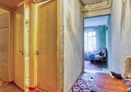 Купить двухкомнатную квартиру по ул. Ялтинская без ремонта - Алушта недвижимость купить  двухкомнатную квартиру по ул. Ялтинская без ремонта