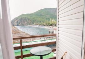 Ноги в море - № 11 Стандарт улучшенный с балконом, 2-й этаж   - Крым гостиница Партенит